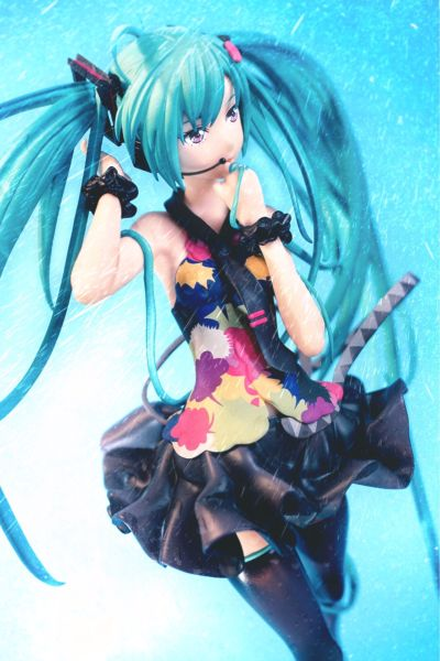VOCALOID角色系列 01 初音未来 Tell Your World Ver.