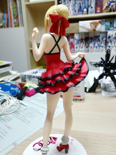 Fate/EXTRA CCC Saber 深红现代服